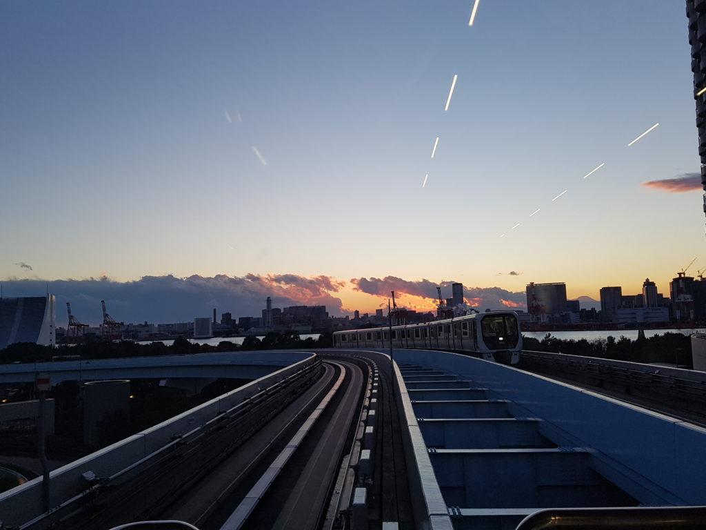 Il tramonto dalla Yurikamome