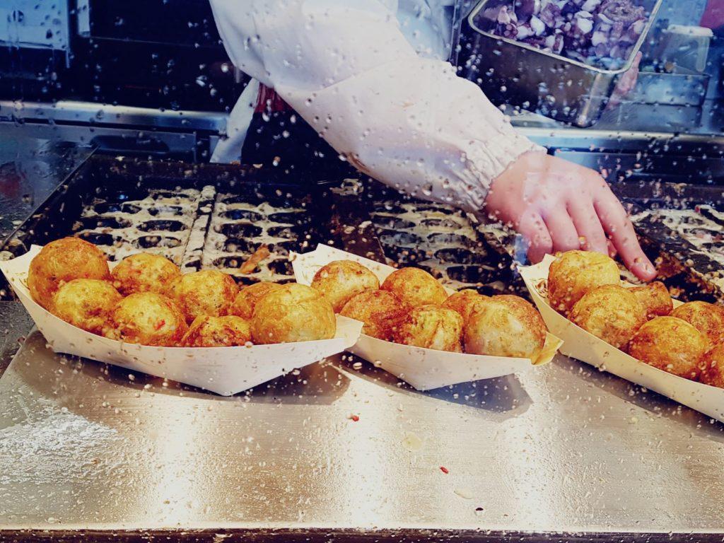 Takoyaki a Tokyo, nel quartiere di Tsukiji